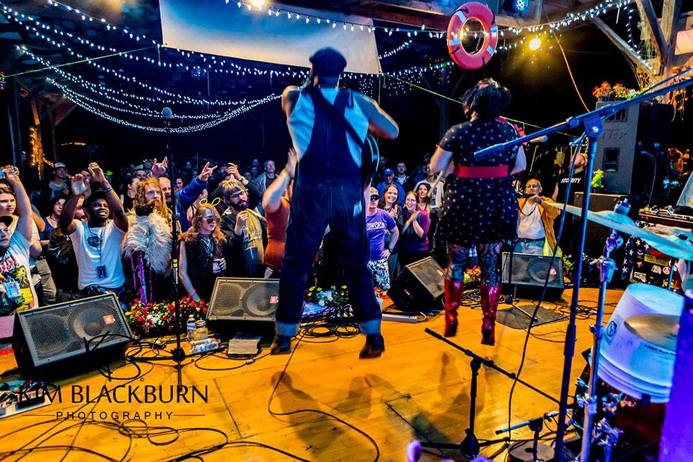 Rev-Peyton-Hovering-The-Moonshiners-Ball-2016-Kim-Blackburn-copyright-protected