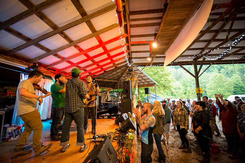 The-Moonshiners-Ball-2016-Peter-McDermott-copyright-protected- (28)